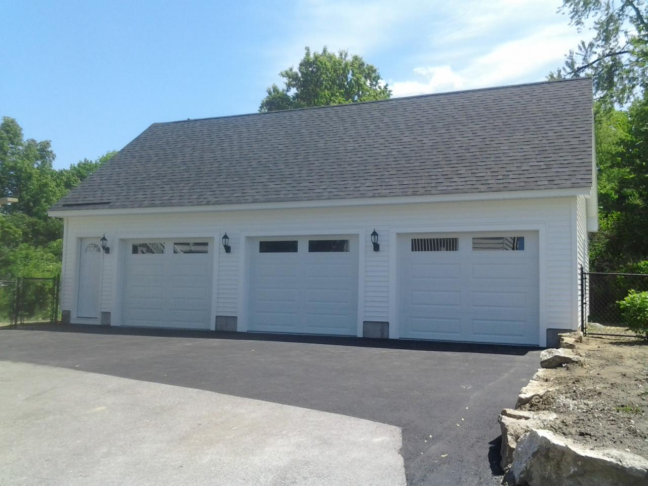 Jws custom decks garages603 494 3299 24x40 garage with loft solutioingenieria Images